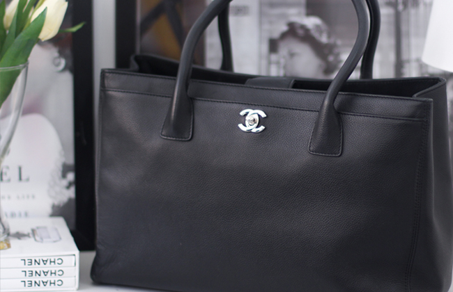 chanel executive tote